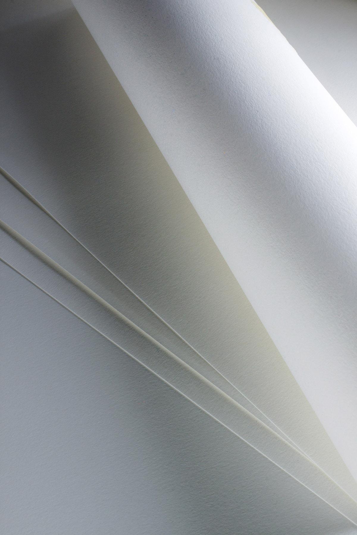 Бумага для рисования, зарисовок Fabriano Accademia 120г/м.кв 100x1000см мелкозернистая в рулоне