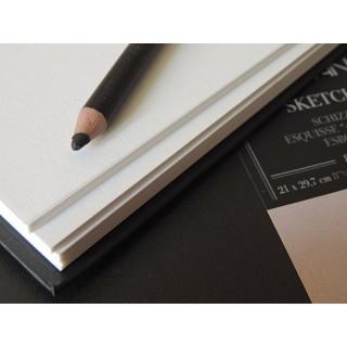 Блокнот для зарисовок Fabriano Sketch Book 110г/м.кв 25x35,3см мелкозернистая 80л, сшивка по длинной стороне