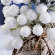 Белые ягоды на вставке Mr.Painter, пучок 24 шт.