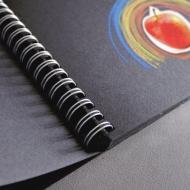 Блокнот для зарисовок Fabriano Black Drawing Book 190г/м.кв 21x29,7см черная бумага, 40л спираль по короткой стороне