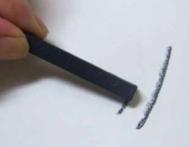 Уголь прессованный светлый Derwent (6 штук в упаковке)
